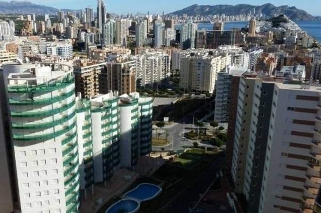 Недвижимость в Испании, Новая квартира с видами на море от застройщика в Бенидорме