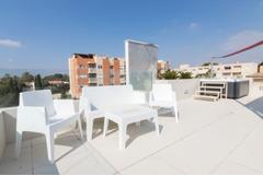 Недвижимость в Испании, Новая вилла рядом с морем от застройщика в Кампельо